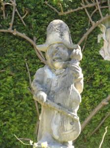 Tuine: figuur van musikant