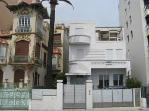 La Monada (regs) La Villahou Villa (links)