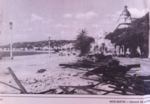 Nice strande. Hotel Negresco (regs), 29ste Aug, 1944