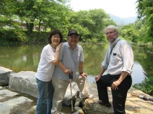Mev. Kim, Dr. Kim en ek
