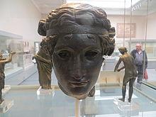 Brons kop van Dionysus, Britse Musem (Let mense - regs)
